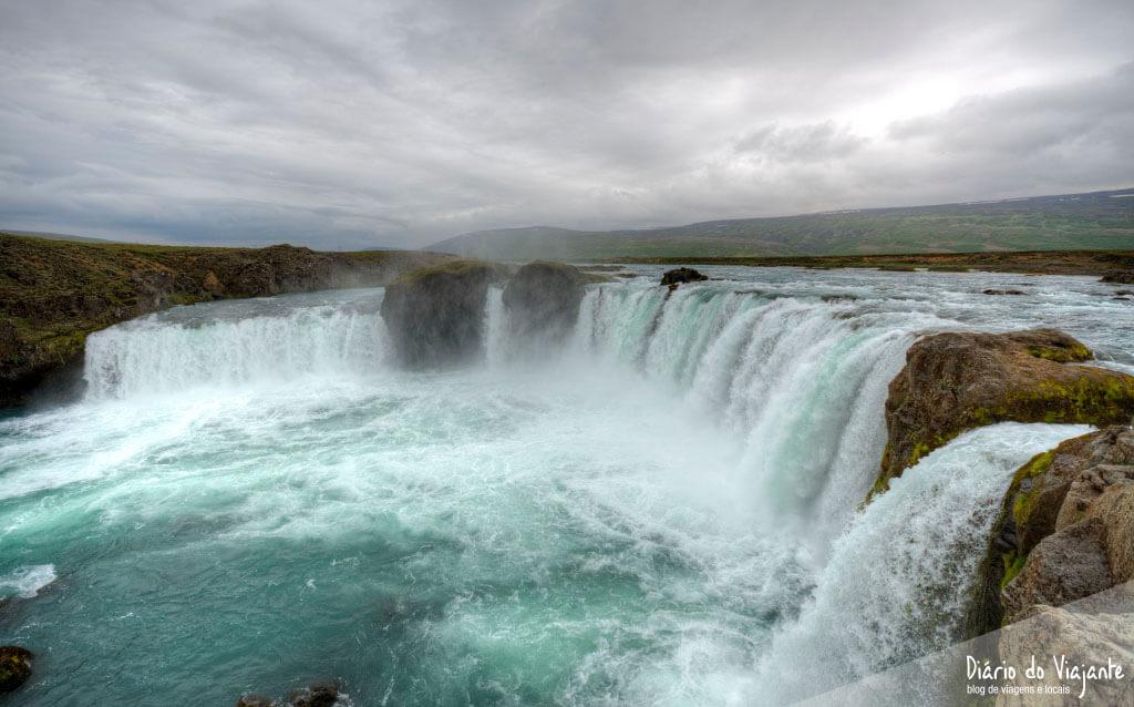 Islândia: Godafoss, a catarata dos Deuses | Diário do Viajante