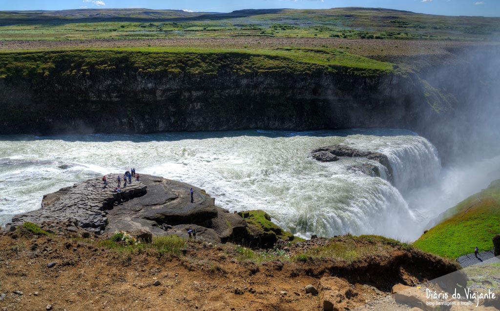 Islândia: Catarata Gullfoss, imponente no desfiladeiro do rio Hvítá | Diário do Viajante